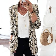 New style 2018 winter fashion woman Leisure Suit Punk Style Snake print Long sleeve Notched Slim One-piece suit Animal Print Outfits, Animal Print Fashion, Fashion Prints, Oversize Mantel, Moda Fashion, Womens Fashion, Look Blazer, Blazer Jacket, Winter Stil