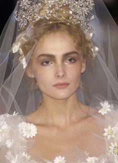 Christian Lacroix Christian Lacroix, Runway Hair, Runway Makeup, Wedding Veils, Wedding Bride, Wedding Dresses, Spring Couture, Bridal Headpieces, Bridal Tiara