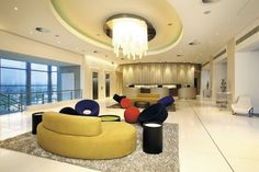 RADISSON BLU HOTEL SANDTON JO -The city is a striking mix of contrasts . Incredible luxury sits side by side with abject poverty . It's loud, colorful and bustling and has born witness to some of the continent's most amazing historical moments .