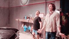 I was so happy when we got to see Jensen in those shorts in the season 11 outtakes.