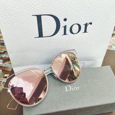 Шикарные очки Dior с зеркальными линзами - замечательный аксессуар на лето. Хотите такие? Следуйте по ссылке в комментарии ;) #dior, #солнечныеочки, #fashion