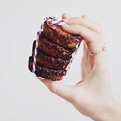 maria eugênia (@blueberryfinds) • Instagram photos and videos Vegan Lifestyle, Plant Based Diet, Videos, Desserts, Photos, Instagram, Food, Tailgate Desserts, Pictures