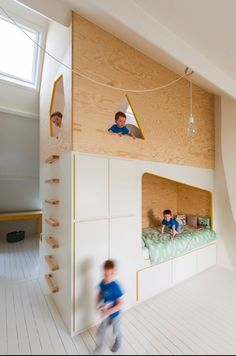 Modern Minimalist Kids Double-Decker Lofted Bed Design, Even though kids are small people, they have their own needs too. Like us, they also want to get things that they could call their own. Minimalist Kids, Minimalist Interior, Minimalist Bedroom, Bunk Bed Designs, Kids Bedroom Furniture, Diy Bedroom, Furniture Design, Modern Furniture, Bedroom Loft