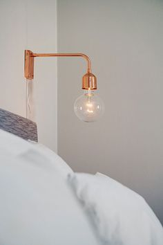 Are you interested in our wall lamp? With our Copper wall lamp you need look no further. Copper Wall Light, Copper Lighting, Copper Room, Bedside Lighting, Bedside Lamp, Diy Luminaire, Decoracion Vintage Chic, Swedish House, Inspired Homes