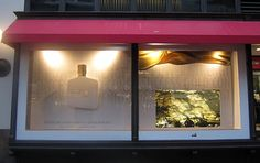 Window Display Turns Passers-By Into Liquid Gold