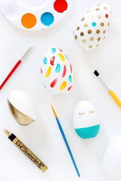 ¡Ideas bonitas y originales para pintar huevos de Pascua con los peques!   #Pascua #huevosdepascua #diy #manualidades