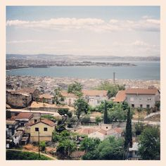 The Cultural Neighborhood of Sukies as seen from Agioi Theodoroi church. Kalamaria and Thermaikos Gulf can be seen in the background. (Walking Thessaloniki / Route Ano Poli b) Thessaloniki, Paris Skyline, The Neighbourhood, Greece, Walking, Travel, Instagram, Greece Country, Viajes
