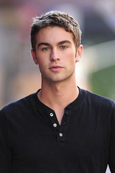 Chace Crawford. What to expect when your expecting