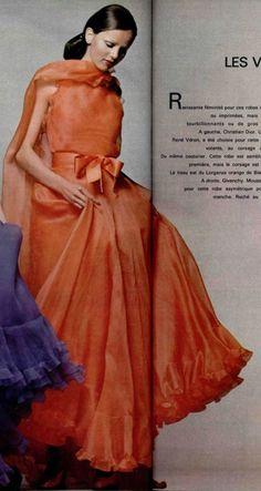 1972 Christian Dior - L'OFFICIEL DE LA MODE n°590 de 1972 / Page 262-263
