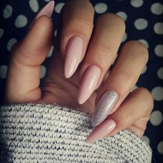 """#moje#nowe#uwielbiam#takie#delikatne#kolory#misteromilano"" Classy Nails, Stylish Nails, Simple Nails, Cute Nails, Pretty Nails, Neon Nails, Pink Nails, My Nails, Perfect Nails"