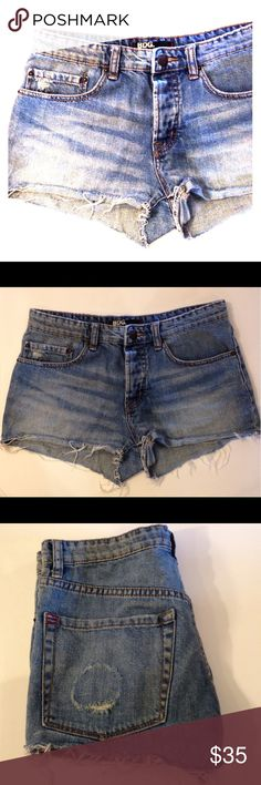 NWOT Urban Outfitters BDG Denim Shorts Size 26 NEW without tags!! Light wash denim cutoffs from urban outfitters 😎 BDG brand, Size 26, medium rise boyfriend fit. Subtle fraying at hem and circular distressing on left cheek! 😉 Five pocket style & five button fly. Perfect for summer! 🏖 *feel free to ask questions or make me an offer!* thanks for checking out my closet 💕 BDG Shorts Jean Shorts