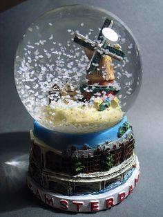 Amsterdam souvenir snowglobe
