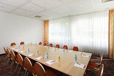 Eines der Konferenz- & Seminarräume / One of the conference and seminar rooms | RAMADA Hotel Micador Wiesbaden Niedernhausen