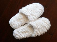 Treat your feet to these soft, cushy Soma scuff house slippers in white, size small, with a white satin ribbon and bow. Their padded soles are very comfortable. You'll love how convenient they are.easy on and easy off! White Sheets, White Satin, Slippers, Ribbon, Bows, Gift Ideas, Check, Easy, Christmas