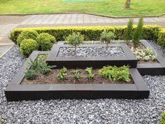 88 Fabulous Backyard Vegetable Garden Design Ideas - The most beautiful garden decor Backyard Vegetable Gardens, Vegetable Garden Design, Veg Garden, Design Jardin, Front Yard Landscaping, Landscaping Ideas, Mulch Landscaping, Backyard Ideas, Natural Landscaping