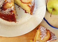 TORTA MELE E YOGURT SENZA BURRO E OLIO Ricotta, Gelato, Camembert Cheese, Diet Recipes, French Toast, Cheesecake, Muffin, Food And Drink, Cupcakes