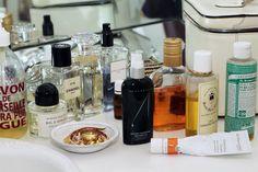 Lisa Marie Fernandez, ITG: - Dr. Hauschka Cleansing Cream - Dr. Bronner's soap -Dr. Alkaitis Organic Nourishing Treatment Oil -Jurlique masks -RMS Raw Coconut Cream - RMS Lip2Cheek color in Smile _RMS Un-Coverup