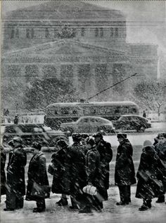 V. Kovrigin.Snow falls,February1957 (soviet photo magazine)