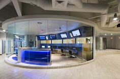 I WORK HERE! : A look at the unique network operations center at the Cobalt Cheyenne data center in Las Vegas, which opened its doors yesterday. Network Operations Center, Data Center Design, Data Architecture, Tech Room, Server Room, Command And Control, Glass Office, Home Network, Exhibition Space
