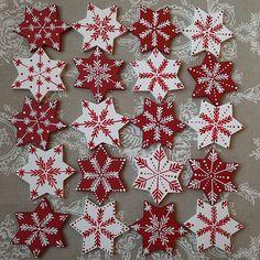 Christmas Ornament Crafts, Clay Ornaments, Christmas Cookies, Christmas Wreaths, Christmas Crafts, Christmas Decorations, Christmas Mandala, Snowflake Cookies, Cross Stitch Alphabet