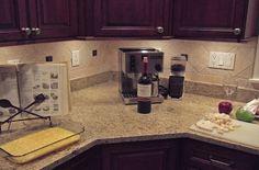 kitchen backsplash idea.  Love this!