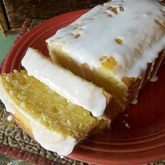 MY FAVE: Starbucks Iced Lemon Pound cake copycat recipe. (pinning because I love Starbucks lemon pound cake more than any kind of chocolate & if this tastes like it, I am all over that and will run extra! Loaf Recipes, Cake Recipes, Dessert Recipes, Cooking Recipes, Cooking Food, Picnic Recipes, Salad Recipes, Yummy Treats, Sweet Treats