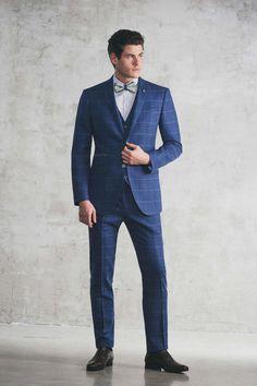 Chris von Martial - Homme  Costumes de marié Paris Martial, La Mode Masculine, Suit Fashion, Mens Fashion, Mens Suits, Photography Poses, Formal, Men's Style, France