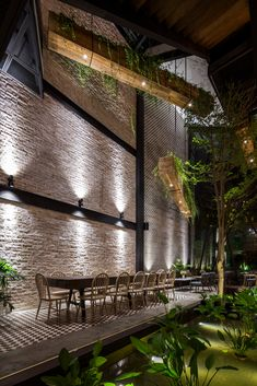 Image 9 of 60 from gallery of An'garden Café / Le House. Photograph by Hiroyuki Oki Outdoor Cafe, Outdoor Restaurant, Coffee Shop Design, Cafe Design, Restaurant En Plein Air, Design Bar Restaurant, Cocktails Bar, Cafe Concept, Vintage Cafe