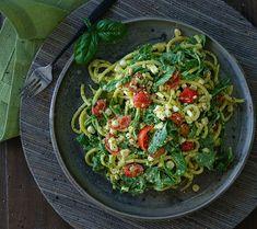 Arugula and Corn Salad with Avocado Dressing - Rawmazing Raw and Cooked Vegan Recipes Arugula Salad, Avocado Salad, Raw Vegan Recipes, Healthy Recipes, Healthy Lunches, Vegan Food, Healthy Food, Argula Recipes, Avocado Dressing
