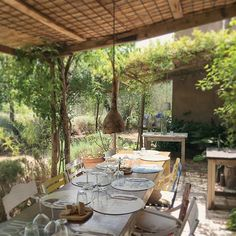"""C h e e r f u l  F r I d a y  e v e r y b o d y !!! """"Lunch is ready!!"""" Table is set for a little group of buffalo mozzarella lovers. 32C. and blue sky. Why don't you tag a friend with whom you would like to sit at this table? Maybe you'd like to be there just with your pet 😊, I also would be happy to welcoming it!💚🐶🐈 #fattoriasanmartino #lunch #pergola #garden #cozy #countryside #rustic #farmtotable #farmhouse #lunchtime #veggiehotels #vegetarian #vegan #hideaway #hotel #restaurant…"""