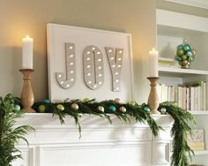 Tis the season for Christmas DIYing. Here are step-by-step video tutorials to help you get started on this holiday marquee sign project.
