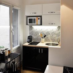10 studios ultra déco et fonctionnels Design Room, Home Design, Condo Interior, Interior Design Living Room, Tiny Spaces, Small Apartments, Studio Kitchen, Kitchen Decor, Ikea Kitchen