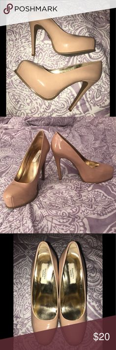 {Simply Vera: Vera Wang} Nude Heels Simply Vera • Nude Heels • Size 8 • Worn a couple times & have a few scratches shown in pictures; but in very good condition! • Very comfortable heels!! Simply Vera Vera Wang Shoes Heels