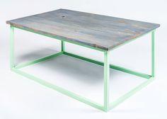 He encontrado este interesante anuncio de Etsy en https://www.etsy.com/es/listing/207218603/reclaimed-wood-coffee-table-with