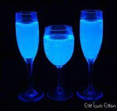 BLACK LIGHT LEMONADE - Great idea for Halloween or Glow in the Dark Party   http://www.girllovesglam.com/2012/10/black-light-lemonade.html