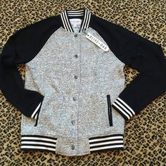 BMWT CHIC HIPSTER CASUAL BOMBER JACKET SZ S Comfortable and fashion forward! Great take on the trend by Olive and Oak. Looks awesome with skinnies and pumps! Brand new! Gun metal hardware. Black and white trim. Olive & Oak Jackets & Coats