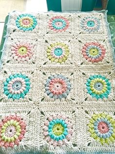 Chunky Sunburst Granny Blanket