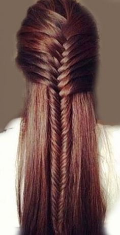 http://www.marieclaire.com/beauty/hair/how-to/g2614/10-easy-quick-hairstyles-in-10-seconds/