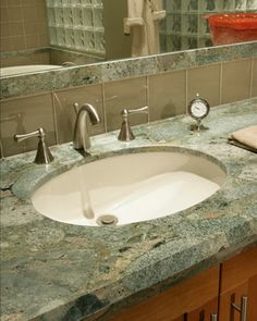 glass tile w/ granite backsplash