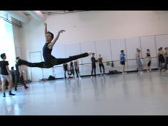 pacific northwest ballet ~ amazing video of technique ~ PNB's Company Class-Jumping