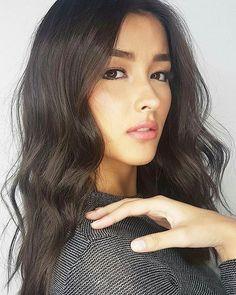 She is Smokey Soft Autumn(Soft Autumn Deep). Filipina Actress, Filipina Beauty, Love Makeup, Makeup Looks, Hair Makeup, Korean Beauty, Asian Beauty, Pretty People, Beautiful People