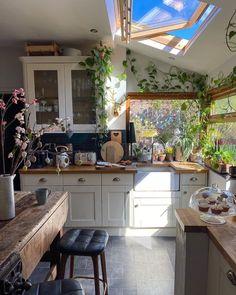 Kitchen Interior, Kitchen Decor, Interior Decorating, Interior Design, Beautiful Kitchens, Cozy House, Home Decor Inspiration, Home Kitchens, Sweet Home