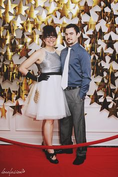 Hollywood and red carpet themed photo booth backdrop. Hollywood Party, Hollywood Red Carpet, Party Fiesta, Festa Party, Star Wars Party, Soirée Des Oscars, Dance Themes, Prom Themes, Red Carpet Party
