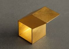 Giampaolo Babetto -ring- cube, marked '750, 1997. 18K yellow gold.