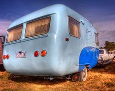 Blue Sunliner . Vintage Camper - Tiny Trailer - Travel Caravan <O>