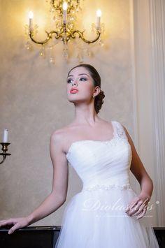 Diolastilis dress - by Lacramioara Iordachescu One Shoulder Wedding Dress, Diva, Wedding Dresses, Collection, Fashion, Bride Dresses, Moda, Bridal Gowns, Fashion Styles