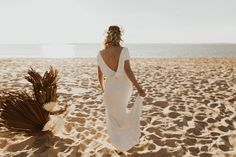 Mariage au Bassin d'Arcachon - Shooting d'inspiration • Sparkly Agency Marie, Inspiration, Formal Dresses, Articles, Dress, Biblical Inspiration, Dresses For Formal, Formal Gowns, Formal Dress
