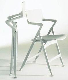 Dolly Folding Chair | Designer: Antonio Citterio for Kartell