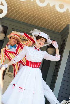 Mary Poppins, HKDL Mary Poppins And Bert Costume, Mary Poppins Halloween Costume, Halloween Costumes, Baby Disney, Disney Love, Disney Magic, Disney Theme, Disney Characters Costumes, Disney World Characters