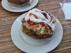 Kumpir - a popular Turkish dish from potato   Istanbul, not Constantinople, avagy Benim adım kırmızı Baked Potato, Quiche, Potatoes, Baking, Breakfast, Ethnic Recipes, Food, Morning Coffee, Potato